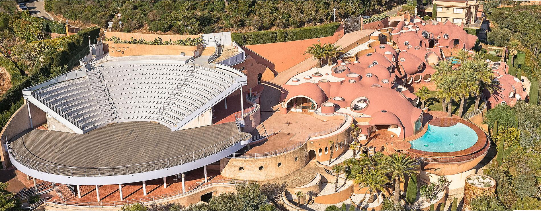 Vue aérienne du Palais Bulles